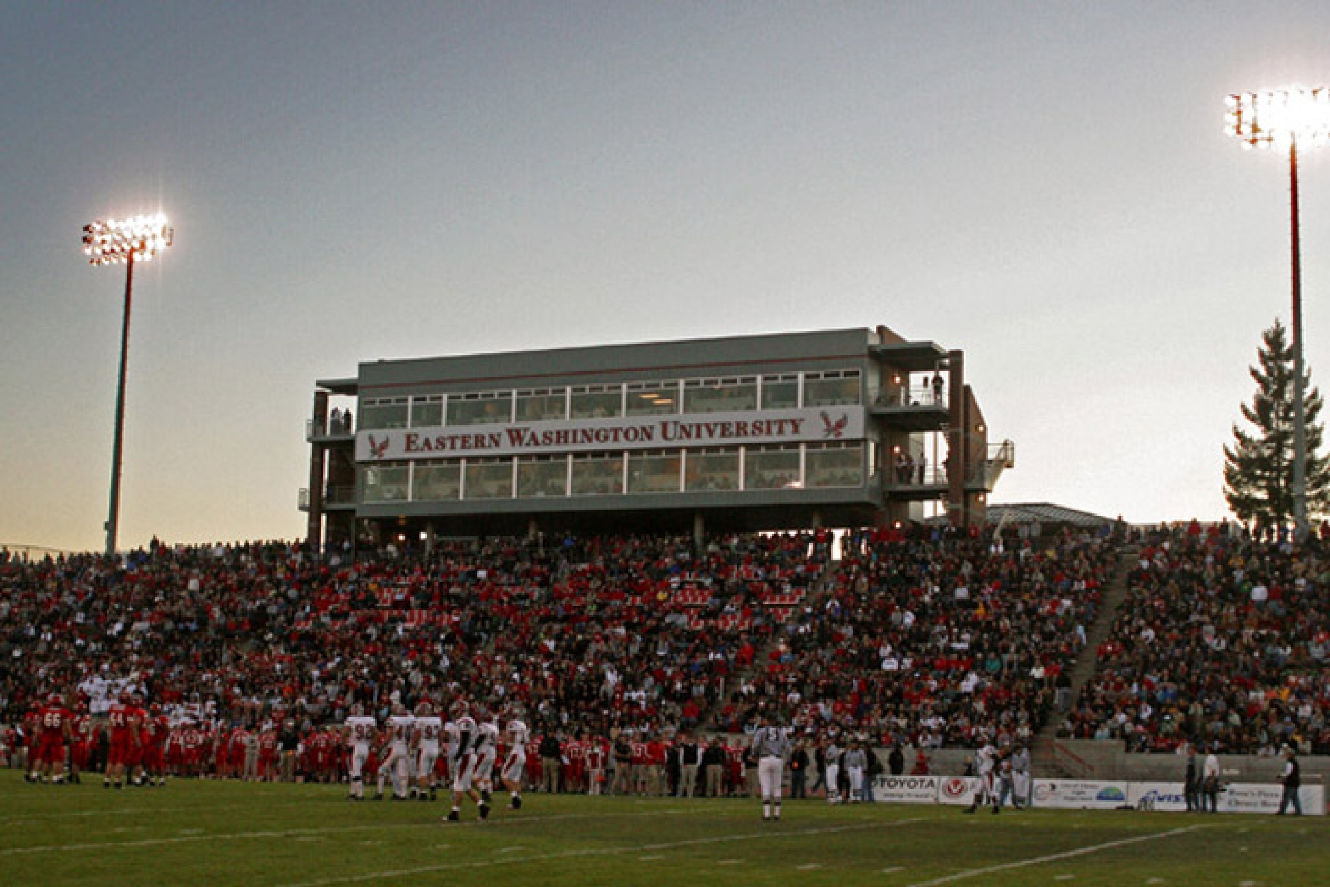 Roos Field Press Boxes 187 Zba Architecture